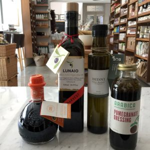 Oils, Vinegars & Dressing